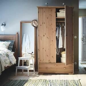 Kleiderschränke Aus Holz : hochwertige kleiderschr nke f r das schlafzimmer ~ Markanthonyermac.com Haus und Dekorationen
