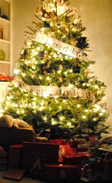 childproof christmas and holiday decorating tips