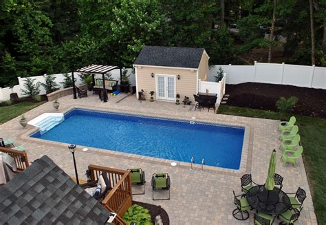 Cool Backyard Pool Designs For Your Outdoor