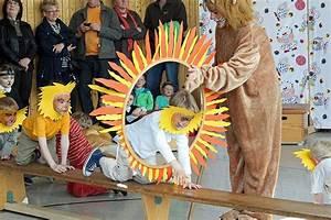 Kinder Spielen Zirkus : bildergebnis f r zirkus im kindergarten zirkus ~ Lizthompson.info Haus und Dekorationen