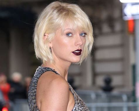 Katy Perry Stole 2017 Grammys Look From Taylor Swift