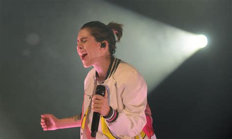 Tegan And Sara Cross Synth-pop With Old Angsts At Booming Philly Concert (photos)