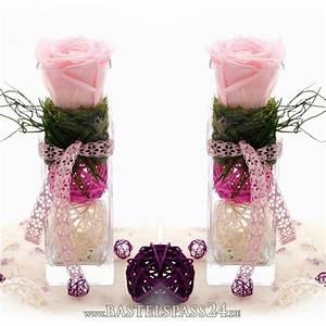 Begleitpflanzen Für Rosen : glasvasen f r tischdeko selber dekorieren mit pr parierten rosen in rosa wei sz ~ Orissabook.com Haus und Dekorationen