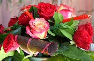 Offrir Un Bouquet De Fleurs : offrir un bouquet de fleurs les fleurs et leur langage ~ Melissatoandfro.com Idées de Décoration