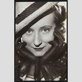 Irene Noblette | 236 x 362 jpeg 14kB