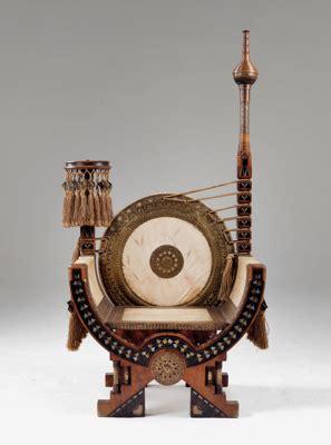 Bugatti & c., fabbrica mobili artistici. A Throne chair (sella curulis), Carlo Bugatti, - Design 2015/11/04 - Realized price: EUR 20,250 ...