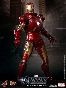 Hot Toys Reveals Avengers Iron Man Mark VII ...
