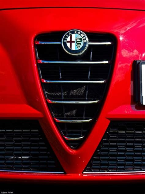 images  alfa romeo iconic front grille