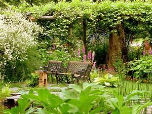 Wallpapers Fair: Peaceful Summer Garden Pictures For House ...
