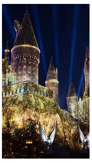 The Nighttime Lights at Hogwarts Castle | Universal's ...