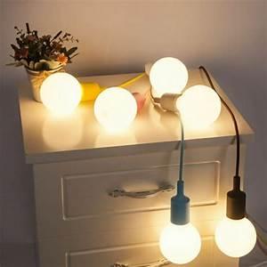 Lampe Aus Federn : lampe federn selber machen lampe diy selber machen feder ~ Michelbontemps.com Haus und Dekorationen