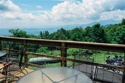 eat stay  play  blowing rock north