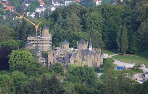 Kassel is the regional capital of north hesse in germany and has a population of about 200 000. Wallpaper Kassel, Bergpark, Castle Levenburg images for ...