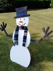 How to Build a Wooden Snowman how-tos DIY