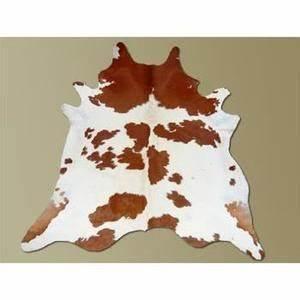 tapis peau de vache achat vente tapis peau de vache With tapis peau de vache avec canapé bleu velours