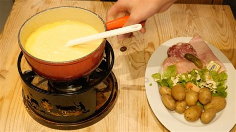 cuisine lomme restaurant le ch 39 ti charivari lomme en vidéo
