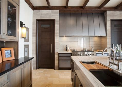 Traditional Elegant Kitchen