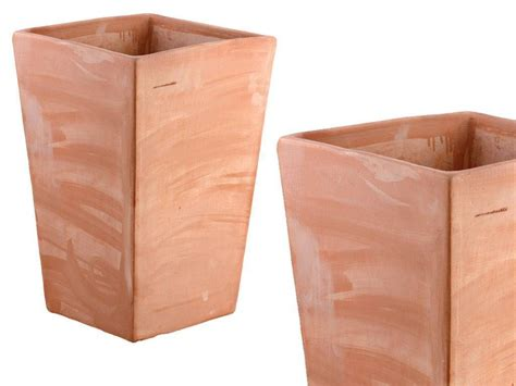 vaso terracotta prezzo vaso trapezio liscio 049 vaso in terracotta