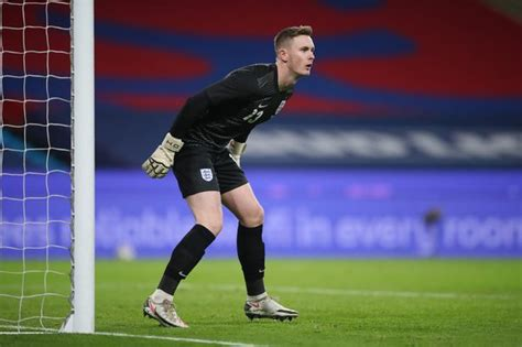 Dean Henderson's England ambition made difficult to ...