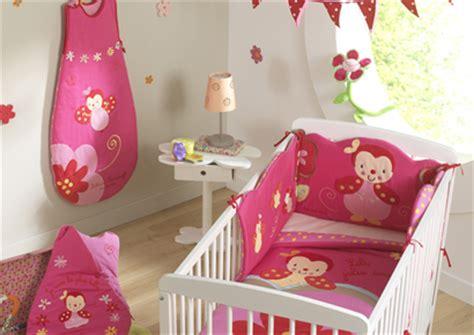 thème chambre bébé fille décoration chambre bébé coccinelle thème coccinelle
