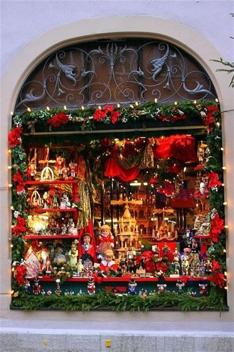 251 Best Images About Christmas Shop Window Display On Pinterest  Harrods, Masons And Retail Design