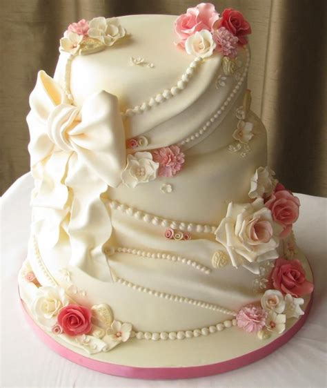 Beautiful Cake For A Quinceanera Quinceanera Hairstyles