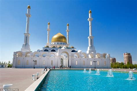These are the world's most beautiful mosques | Daily Mail ...