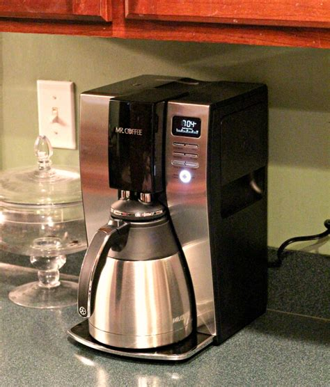 Coffee maker is empty and the machine is steadily blinking that it needs attention before you can savor that first cup of java, it can be inconvenient and highly irritating. My Morning Coffee Story - Wanna Bite