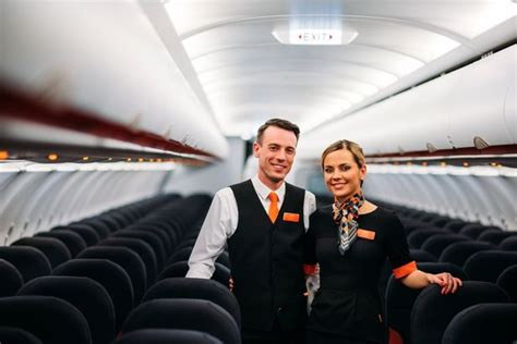 Easy Jet Cabin Crew This Is How To Get A As Cabin Crew For Easyjet Flying