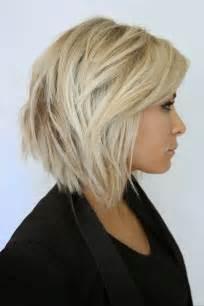 coupe de cheveux femme 2015 carré dégradé sur femme aux cheveux blonds coiffure tendance femme 2017