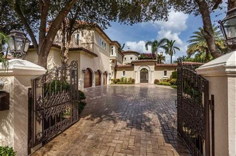 House For Sale In Miami by Miami Homes For Sale The Character Of The