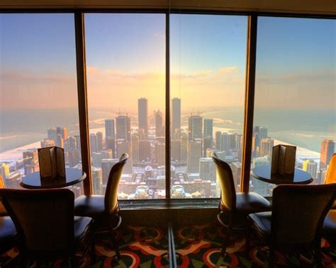 95th Floor Hancock Dinner Reservations by 875 N Michigan Ave The Signature Room At The 95th Offers