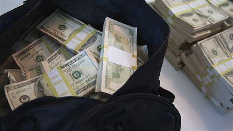 prop  money bundles   duffel bag