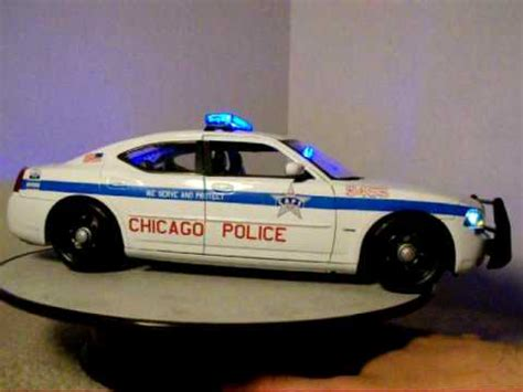1 18 police car with 1 18 chicago police dodge charger custom with lights