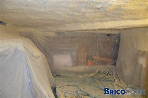 isolation de la coulisse et du plafond de la cave photoreportage