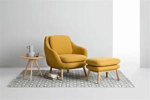 fauteuil jaune la couleur intemporelle et tendance With tapis champ de fleurs avec canapé d angle ligne roset