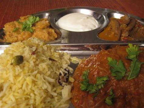 cuisine indienne recettes recette indienne curry d 39 aubergines et yaourt un classique
