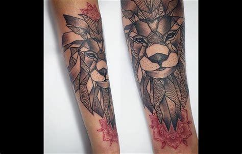 tatouage lion avant bras homme