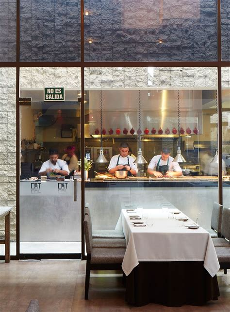 Kitchen In Restaurants by Open Kitchen Restaurant On Restaurant Kitchen