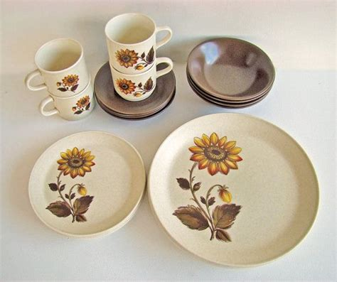 johnson australia dinnerware dinner patterns sets pattern brothers sunflower listing pottery antique reserved beth retro china confirmed 1970s history plates