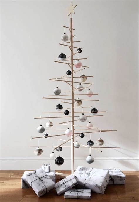 simple scandinavian inspired christmas decorations