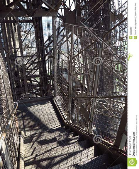 escalier 3 de tour eiffel photo stock image du escalier 52052580