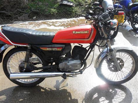 Kh Kawasaki by Kawasaki Kh 125 Pics Specs And List Of Seriess By Year