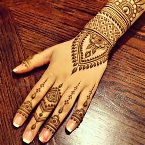 Simple Mehndi Designs   One Hand Mehndi Designs   New ...
