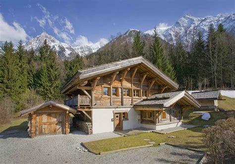 luxurious ski chalet with pool to rent near chamonix