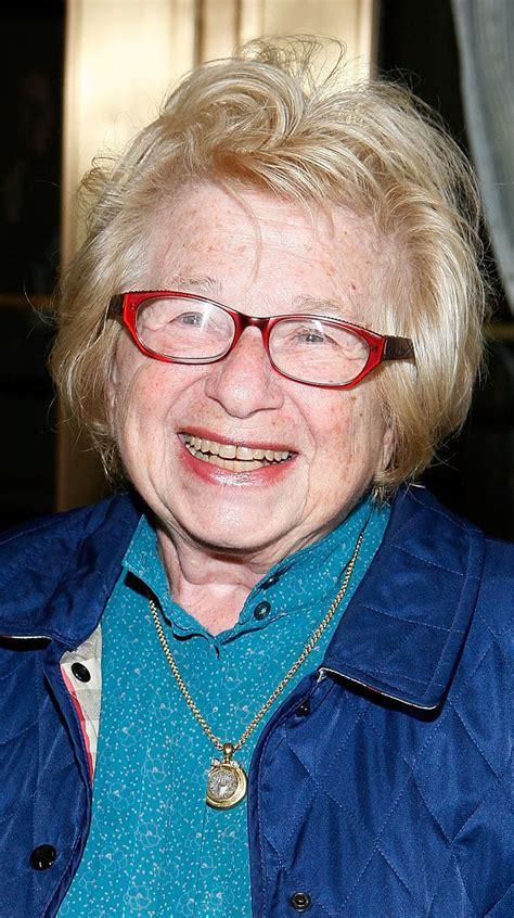 choosing eyeglass frames  older women