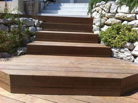 escalier en bois exotique escalier en bois exotique pour vos exterieurs parquet et terrasse en bois aix en provence les