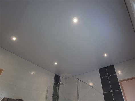 plafond tendu salle de bain salle de bain peinture frehel deco morbihan loire atlantique