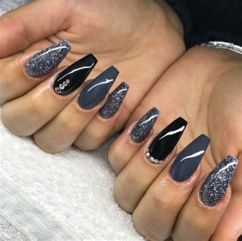 gray and black nails Tumblr