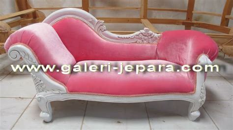 pink chaise lounge pink chaise lounge sur enperdresonlapin